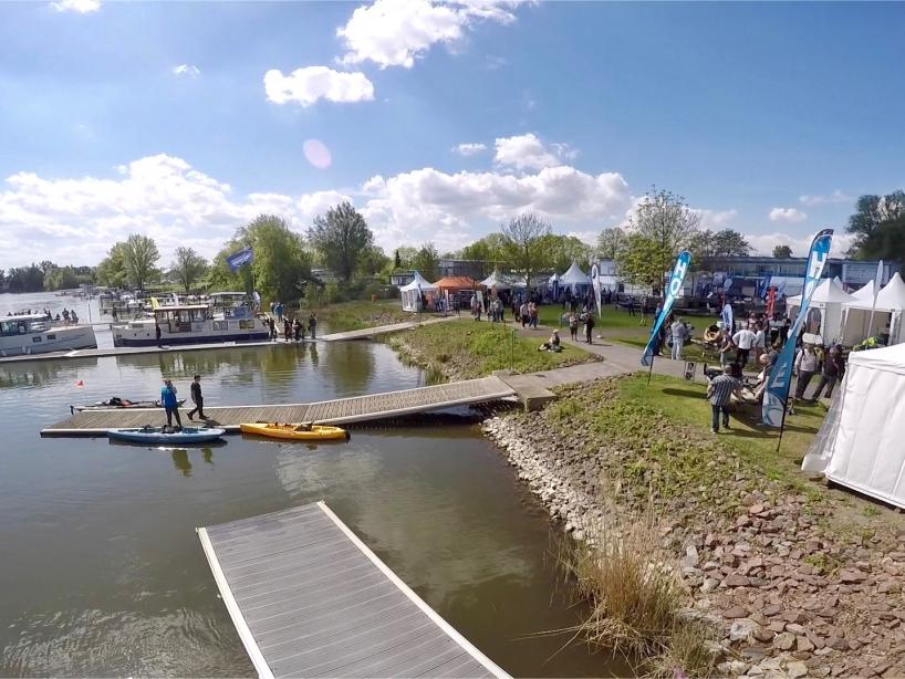 Bootstege am Seeufer - Fishing Masters Show 2018 - Beetzsee - Brandenburg an der Havel - Deutschland