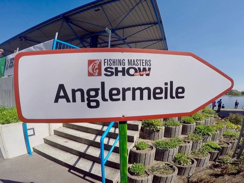 Wegweiser Hinweisschild - Anglermeile - Fishing Masters Show 2018 - Beetzsee - Brandenburg an der Havel - Deutschland