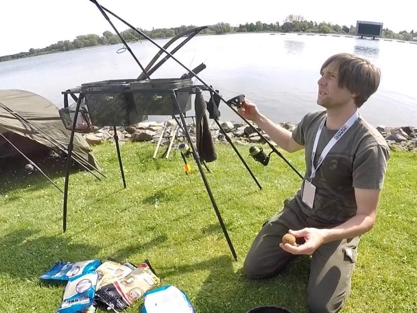 Futterkugel herstellen Foto 6 - Fishing Masters Show 2018 - Beetzsee - Brandenburg an der Havel - Deutschland