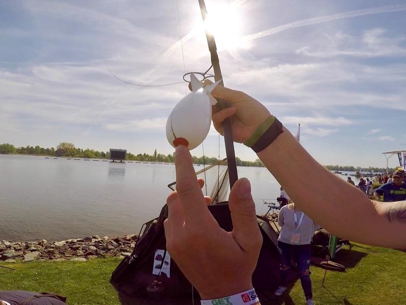 Anwendung Futterrakete Foto 2 - Fishing Masters Show 2018 - Beetzsee - Brandenburg an der Havel - Deutschland